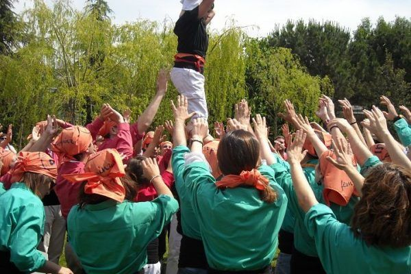 human-towers_castellers13_teambuilding_barcelona_experience_tradition_catalunya_teamwork_opt