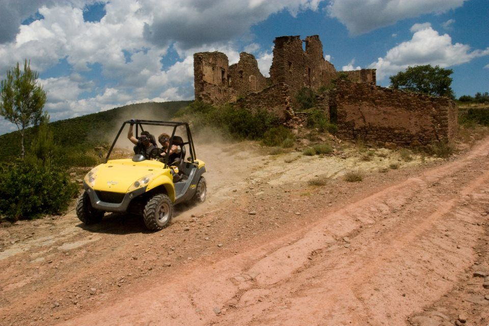 TEAM BUILDING: Driving quads at Les Comes