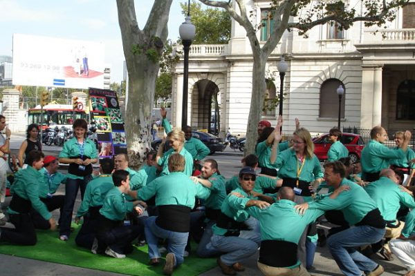 Amfivia Castellers Teambuilding Human Towers Activity Barcelona (8)_opt
