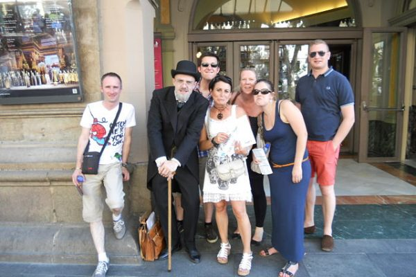 Amfivia City Discover Tour Teambuilding Barcelona (3)_opt
