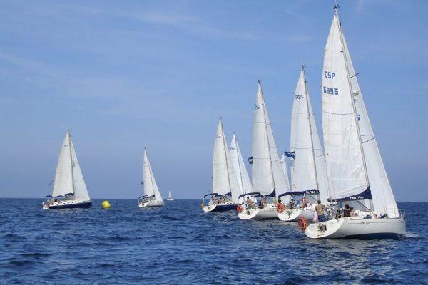 Amfivia Regatta Teambuilding Sailing Barcelona _opt