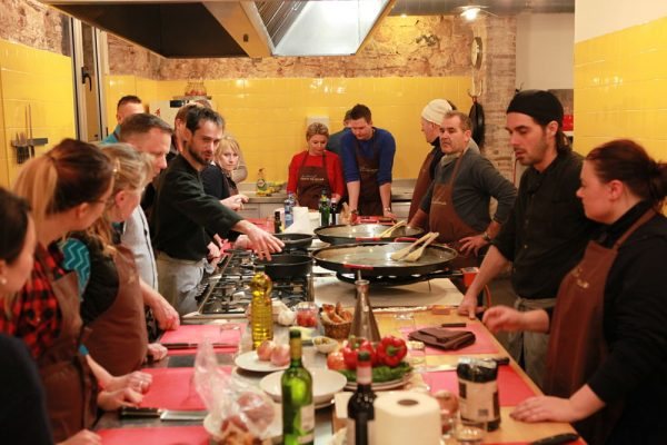 Amfivia Teambuilding Cooking Competition Barcelona (5)_opt