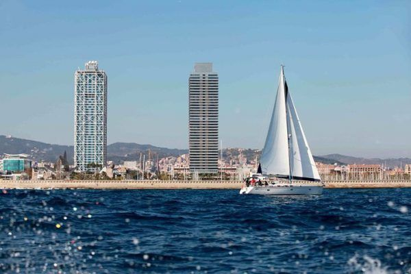 amfivia-teambuilding-regatta-barcelona-kuka-2