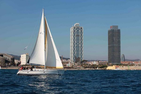 amfivia-teambuilding-regatta-barcelona-kuka-3