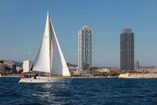 Amfivia Teambuilding regatta Barcelona Kuka 3_opt