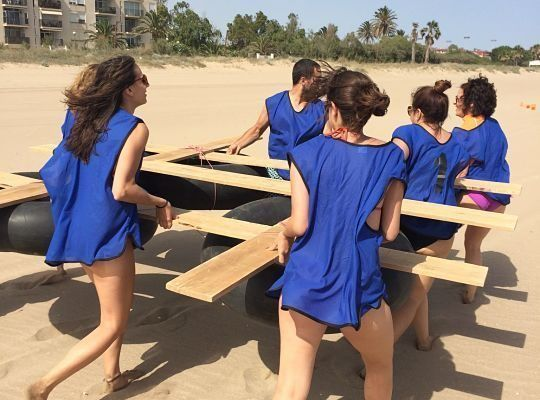 amfivia_beach_activities6_teambuilding_barcelona_watersports_incentives_opt-2