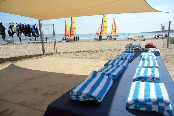 amfivia_beach_activities9_teambuilding_barcelona_watersports_incentives_opt