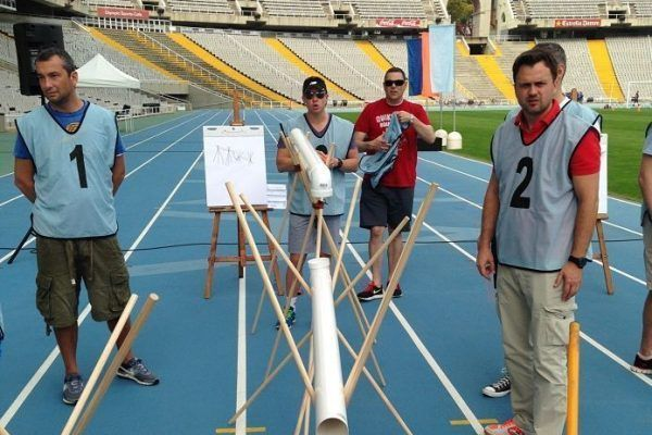 construction_barcelona_olympic_teamworkright-on-time_warmup_-teambuilding_exercise_training_outdoor_opt