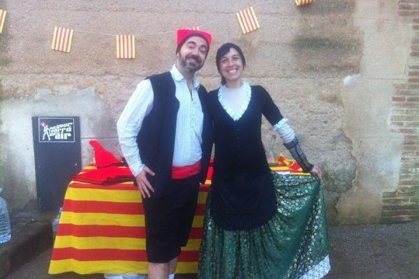 team-building-barcelona-amfivia-catalan-traditions-catalanets_opt