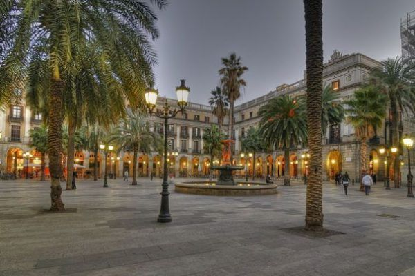 walk-frame-and-shoot_incentives_-barcelona_-team-building_panoramica_catalunya_barcelona_ciutat-vella-04_opt
