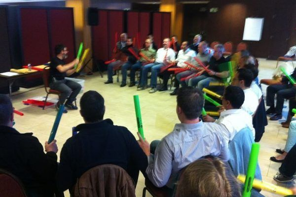 boomwhackers2_teambuilding_barcelona_experience_incentives_teamwork_activity_music_opt