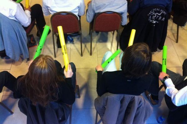 boomwhackers4_teambuilding_barcelona_experience_incentives_teamwork_activity_music_opt