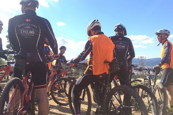 mountain-biking_natural-park_team-building_barcelona_corporate-event_sport_outdoor_experience_team-6