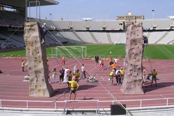 olympic_games_climbing-towers_teambuilding_barcelona_multichallenges_active_competition_corporate_event_opt