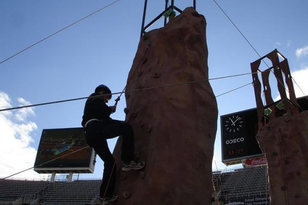 olympic_games_climbing3_teambuilding_barcelona_multichallenges_active_competition_corporate_event_opt