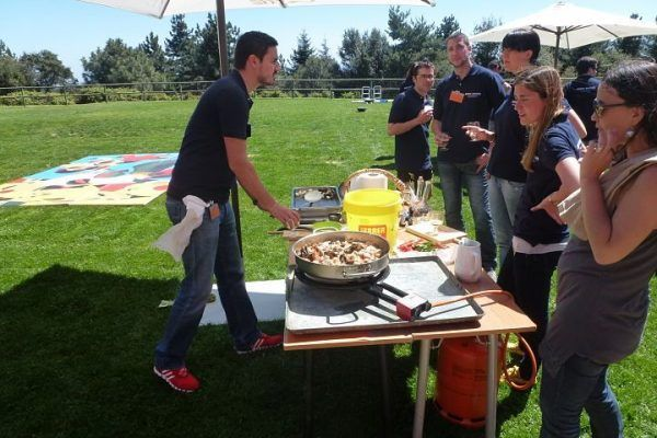 paella_cooking_2_masterchef_competition_teambuilding_activity_barcelona_incentives_opt