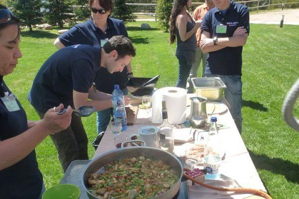 paella_cooking_masterchef1_competition_teambuilding_activity_barcelona_incentives_opt