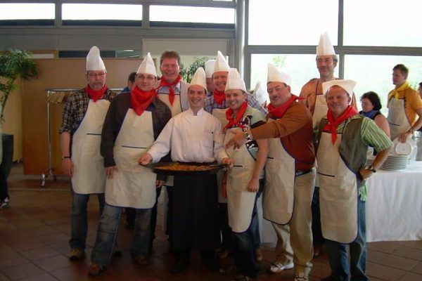 paella_cooking_masterchef_competition_teambuilding_activity_barcelona_incentives_opt