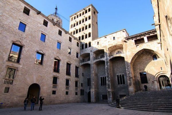 plaza-del-rei_-city-discovery-tour_-_opt