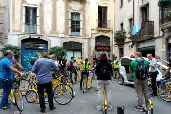team-building-barcelona_moving-barcelona_-incentives_city-discovery_ebikes_bike