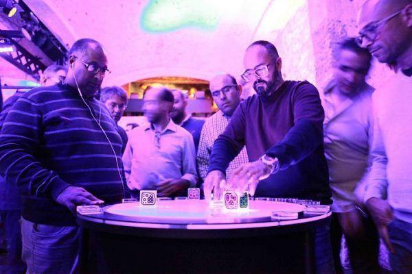 amfivia-corporate-event-wine-casino-party-barcelona-kuka-7