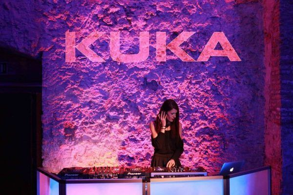 amfivia-corporate-event-wine-casino-party-barcelona-kuka-8