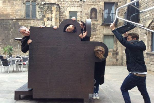 Ipad_race_Barcelona_teambuilding_gincana_gymkhana_technology_events_activity_team (2)_opt