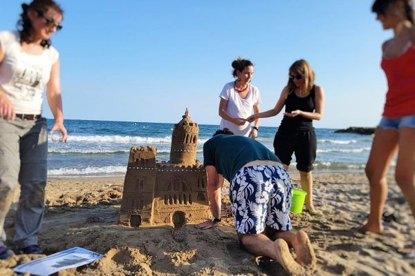 Beach Castle Workshop Teambuilding Barcelona (5)_opt