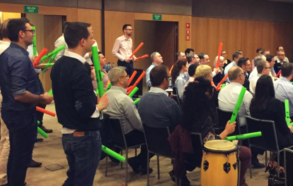 BOOMWHACKERS ORCHESTRA: PLAY IT OUT LOUD!