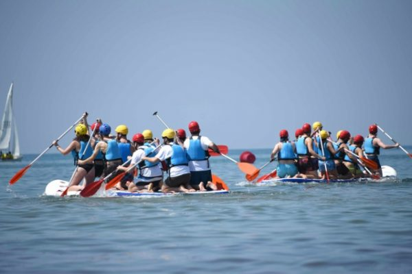 Beach activities_amfivia_teambuilding_amfivia_outdoor_event_barcelona 2