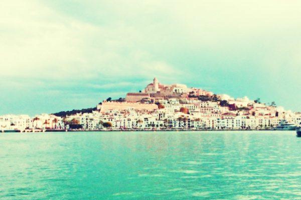 Amfivia_gymkhana_Ibiza_Game_team building_Incentive_seminaire_ Hola Ibiza (1)